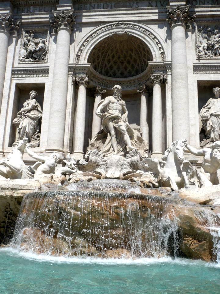 fontana di trevi lu